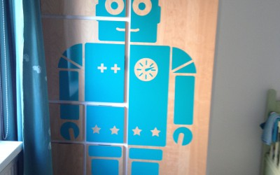 DIY – Robot sticker op ikea kast